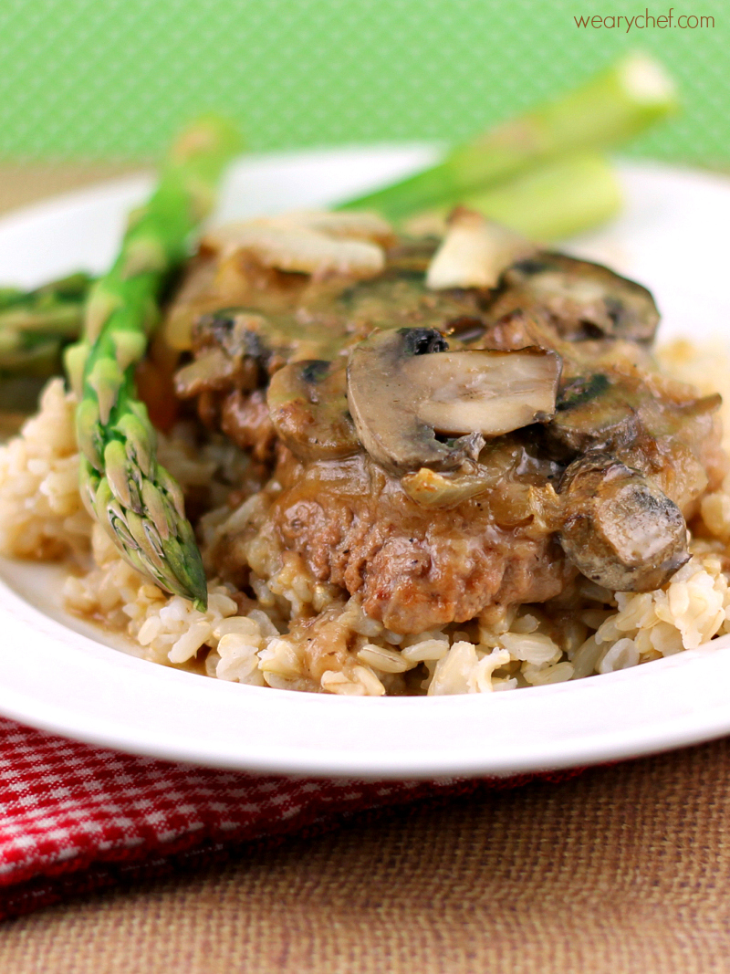 Try this cube steak and gravy recipe for dinner tonight!