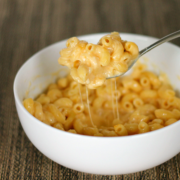... excited to bring you this delicious, super easy mac and cheese recipe