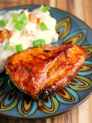 Stovetop Barbecue Chicken - 15 minutes is all you need for perfectly juicy #BBQ chicken!
