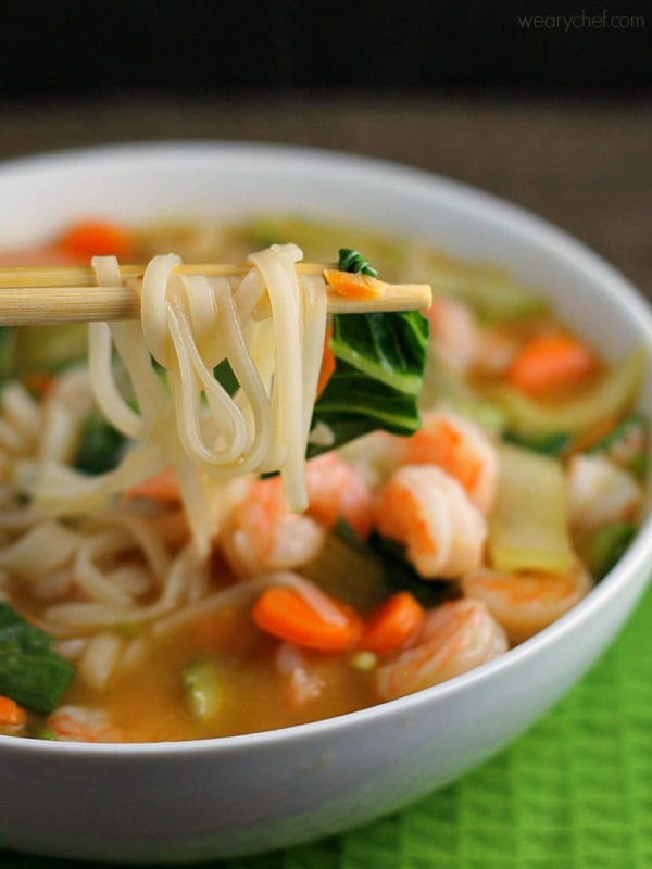 Try this easy Asian Rice Noodle Soup with Shrimp - wearychef.com