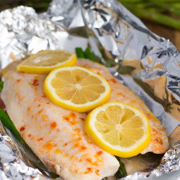 Baked Foil Fish Packets with Asparagus and Tomato