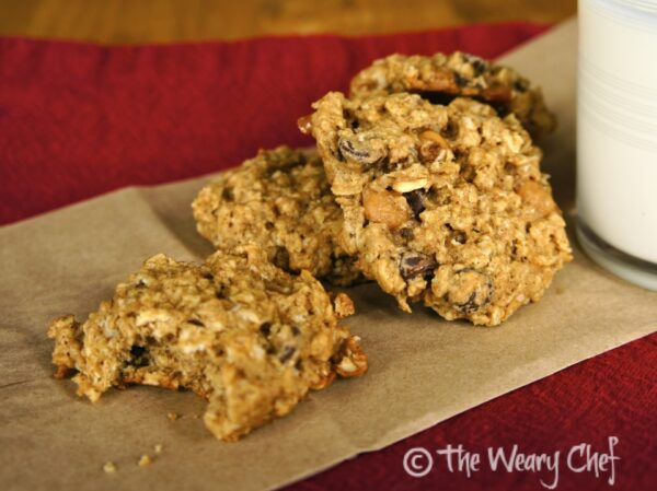 Chocolate Caramel Oatmeal Cookies - Try these #chewy, reduced-sugar #cookies by @wearychef