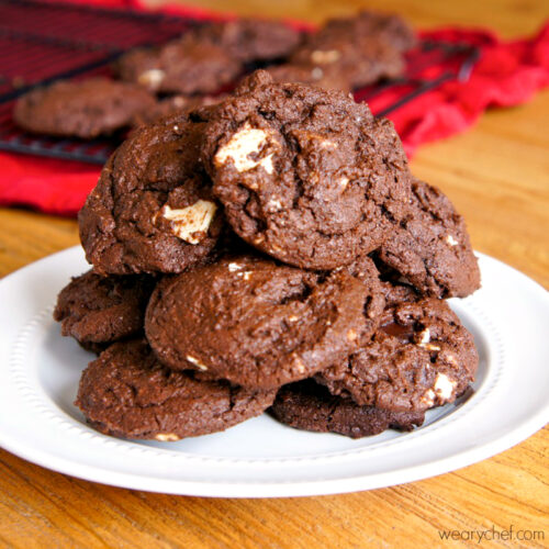 Black and White Chocolate Cookies - wearychef.com