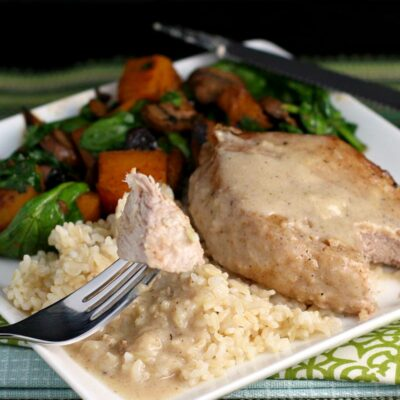 Pork Chops with Easy Milk Gravy
