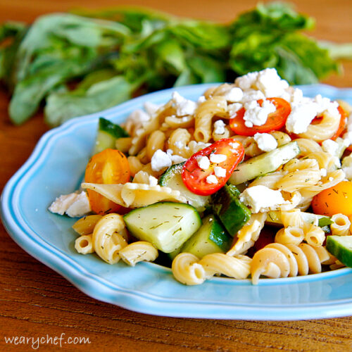 Pretty Pasta Salad with No Mayo- A short list of ingredients make a flavorful #sidedish perfect for summer! by @wearychef