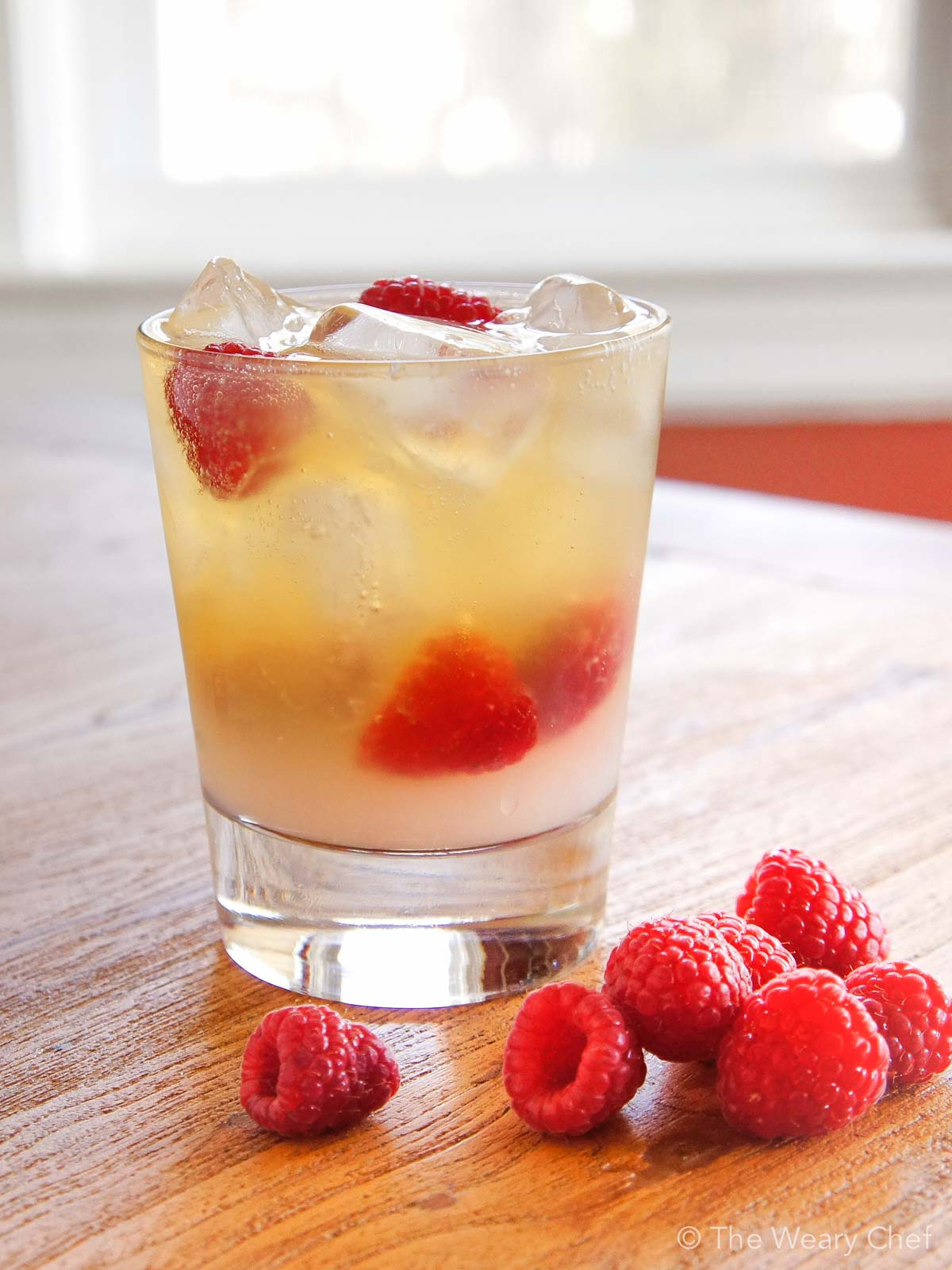 Raspberry Bourbon Lemonade - A very simple summer cocktail!