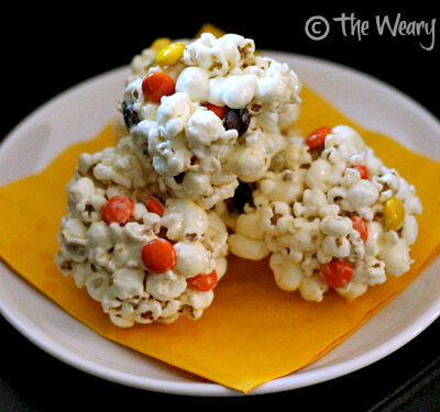 Fall Popcorn Balls with Reese's Pieces: Perfect treat for fall parties!