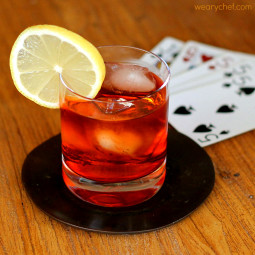 Classic Negroni: Try this retro cocktail for your next happy hour!