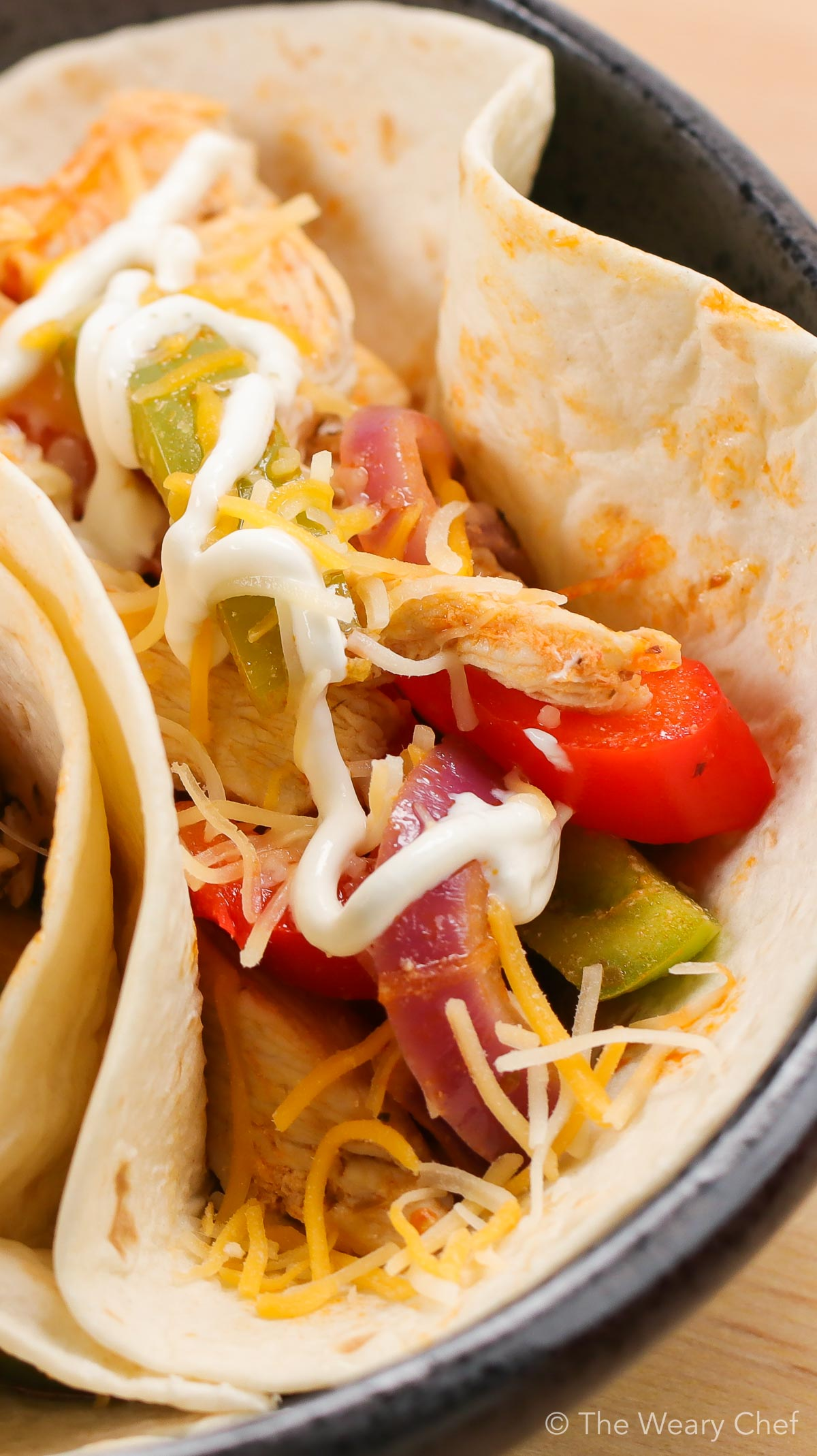 Add some spice to your dinner with these Quick Buffalo Chicken Fajitas. It will take you no time at all to get them on the table, and your family will surely love them! #buffalo #buffalochicken #tacos #fajitas #easydinner