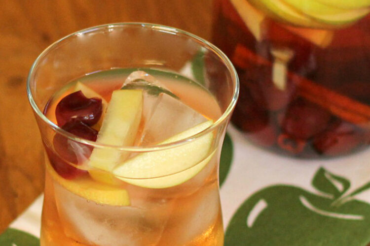 Cherry Apple Sangria - wearychef.com
