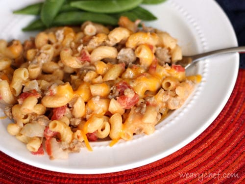 25-Minute Skillet Cheeseburger Macaroni - Don't miss this #easy #dinner perfect for busy weeknights!