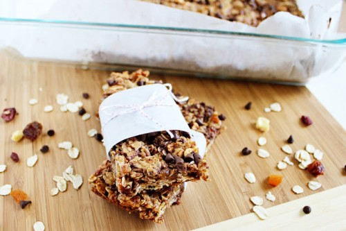 Fruity Coconut Granola Bars | It Bakes Me Happy