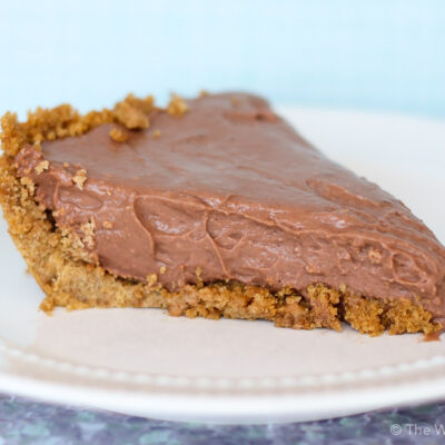 Easy Chocolate Pie Recipe with Pudding and Cream Cheese