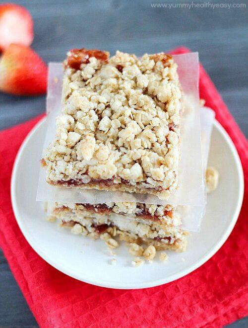 Strawberry Oatmeal Bars by Yummy Healthy Easy