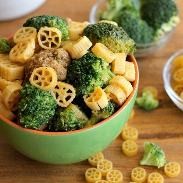 Skillet Meatball Broccoli Pasta