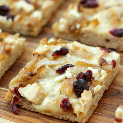 Chicken and Cranberry Pizza with White Pizza Sauce