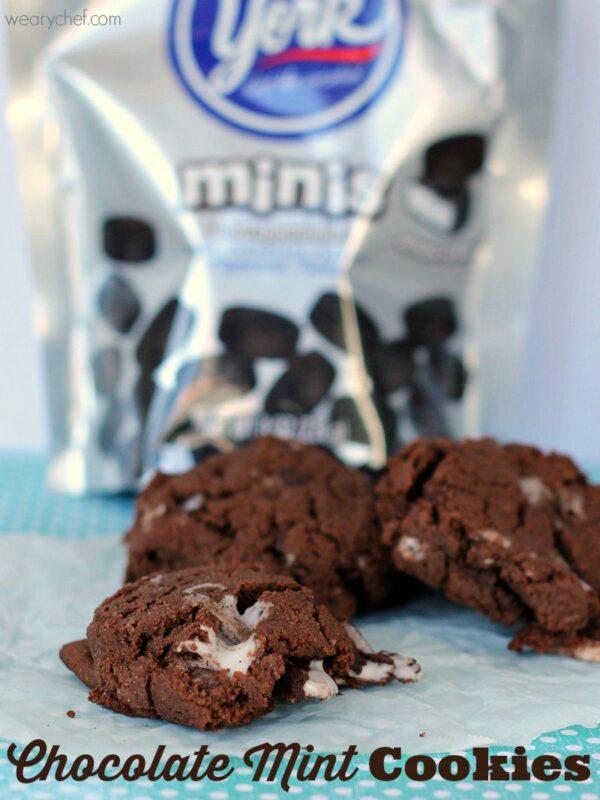 Dark Chocolate Mint Cookies - wearychef.com