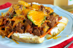 Vegetable Beef Chili Potatoes – A Stick-To-Your-Ribs Dinner!