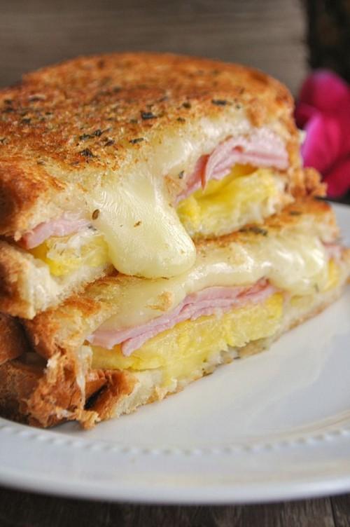 Hawaiian Grilled Cheese | House of Yumm