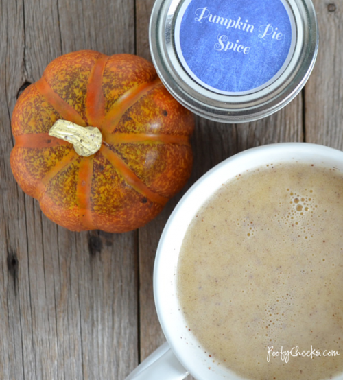 Homemade Pumpkin Spice Latte | Hi! It's Jilly!