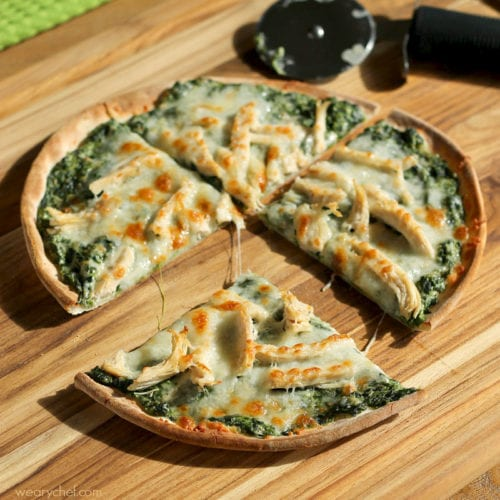 Turkey Spinach Alfredo Pizza - Your Thanksgiving leftovers just got a lot more awesome. #NewTraDish