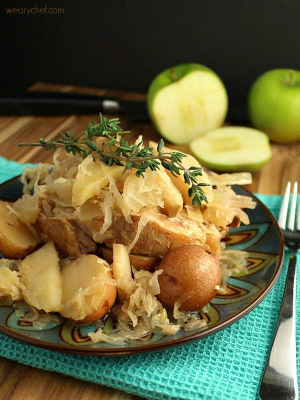 Slow Cooker Pork Chops with Sauerkraut and Apples