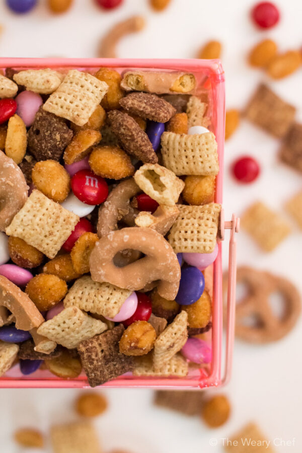 Gluten Free Holiday Snack Mix - Very easy, no cooking recipe the kids can make themselves!