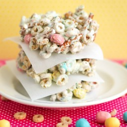 Easter Bars: Cheerios and Pretzels in a No Bake Cereal Bar!