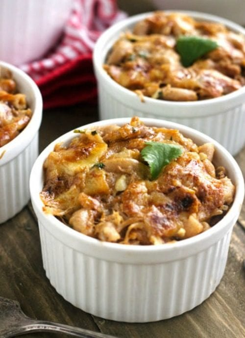 Lighter BBQ Pulled Pork Mac and Cheese by Food Faith Fitness (Featured on The Weary Chef)