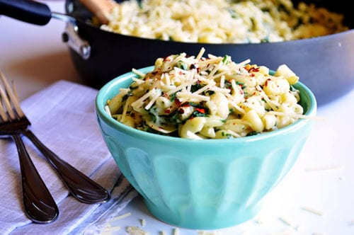One Pot Spinach & Artichoke Mac and Cheese by House of Yumm (featured on The Weary Chef)