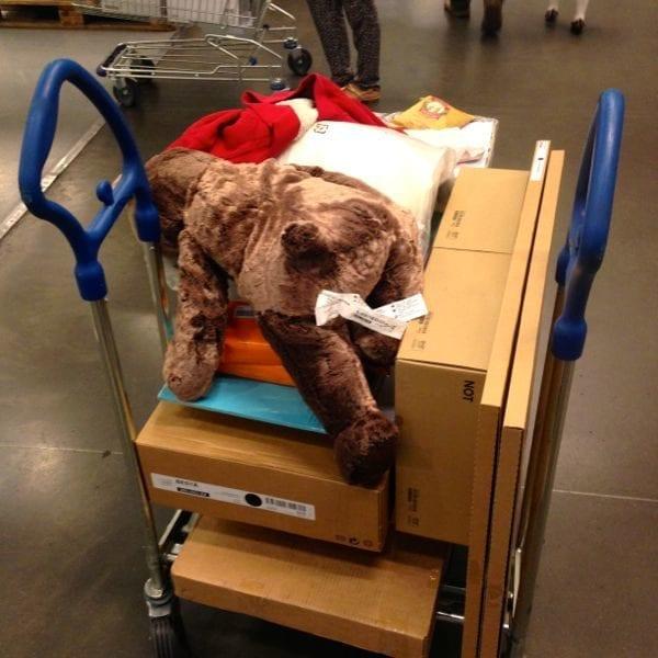 Ikea loots