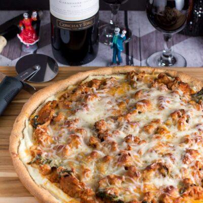 Sausage Lasagna Pizza with Casillero del Diablo Wine!
