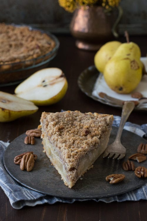 Pear Pie with Pecan Streusel
