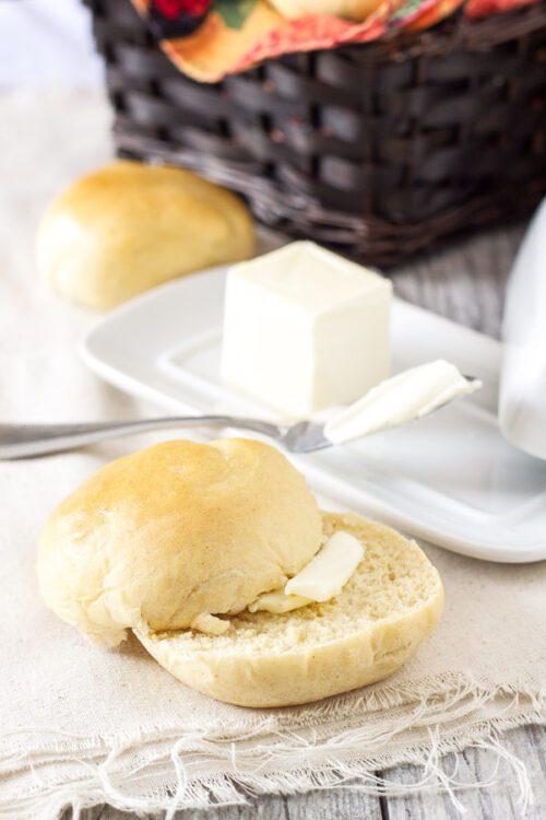 Wheat dinner rolls // Recipe Runner