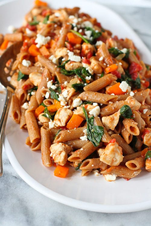 One-Pot Whole Wheat Pasta with Chicken and Spinach by Cookin' Canuck