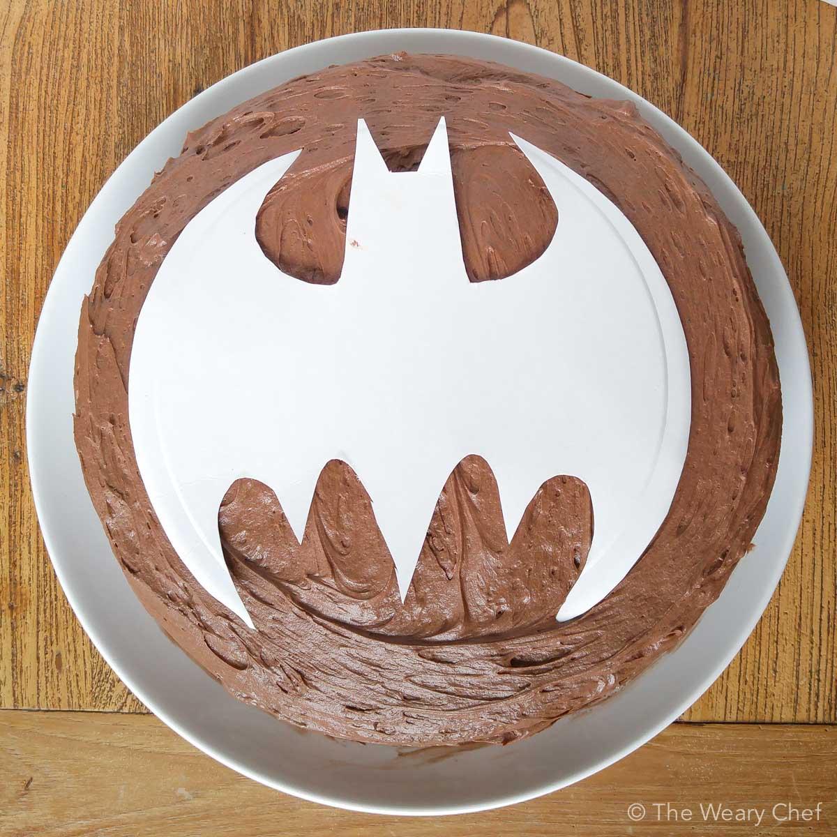 How To Make A Bat Signal Cake