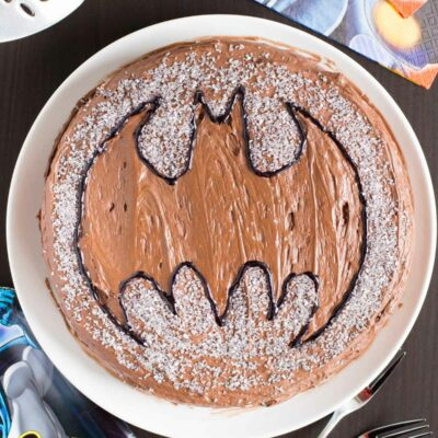 How to Make an Easy Batman Cake