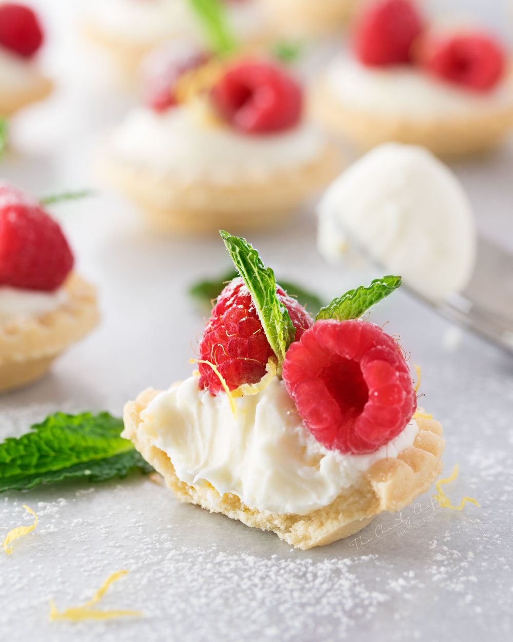 No Bake White Chocolate Cheesecake Tartlets with Lemon - an easy summer dessert!