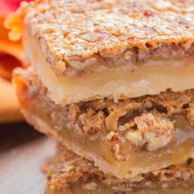 Easy Pecan Pie Bars Recipe