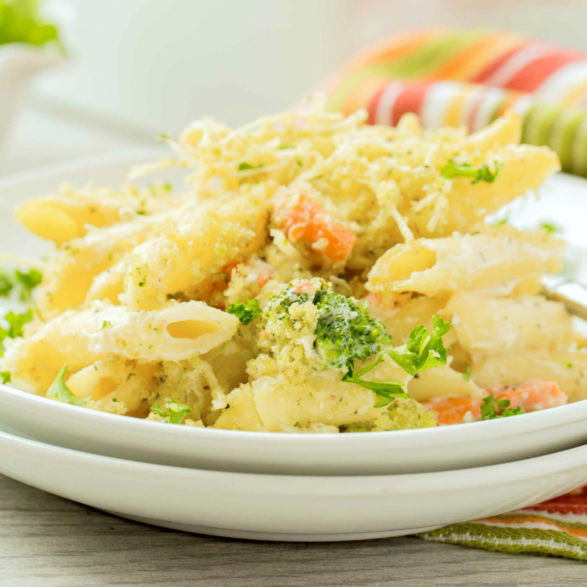 You'll love this dreamy pasta alfredo casserole with smoked salmon and broccoli. It's easy to make the alfredo sauce from scratch, or you can use jarred sauce as a shortcut!