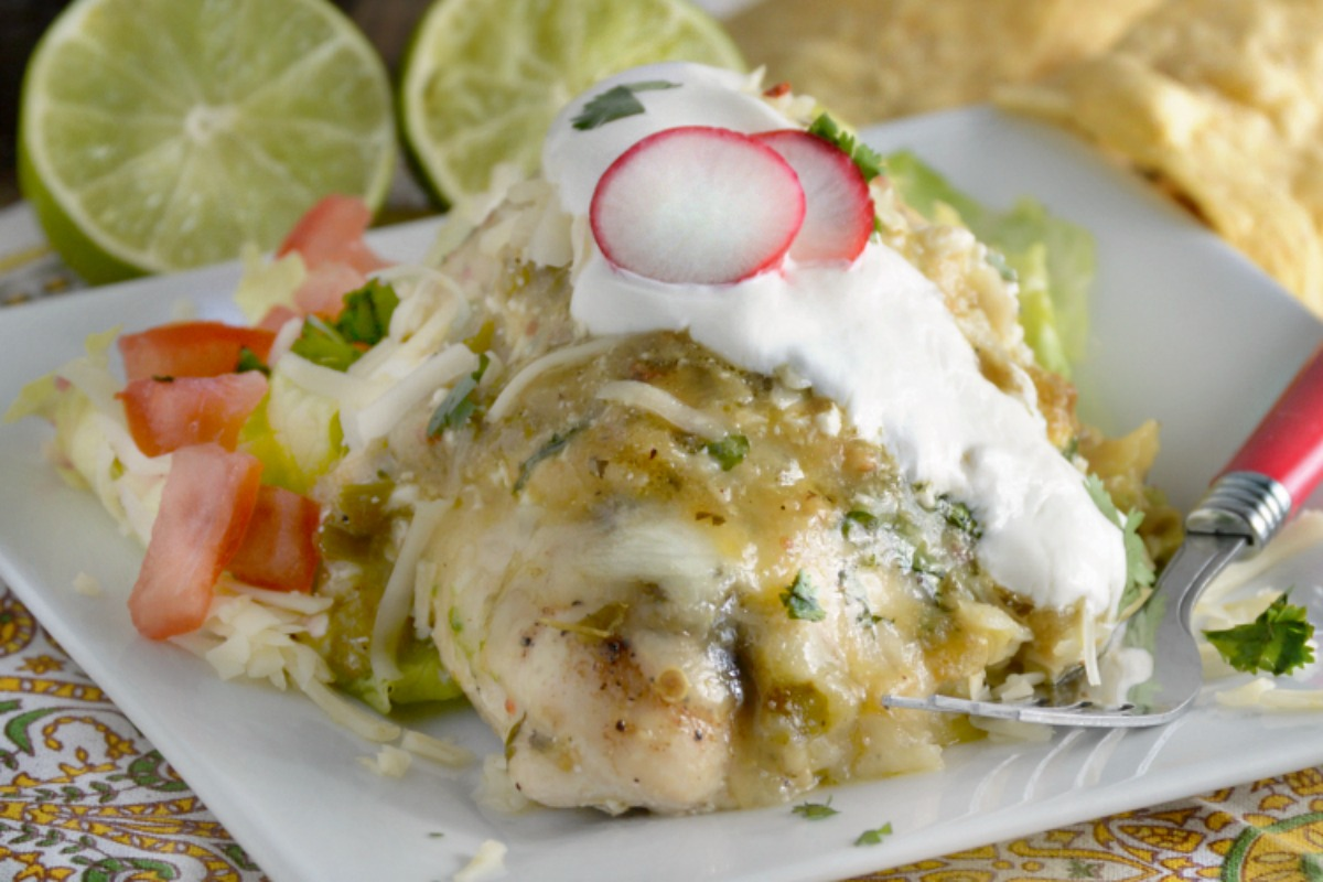 This easy Green Salsa Chicken is sure to satisfy your Mexican food craving! It's ready in about a half hour with very quick prep. Perfect dinner for busy days!