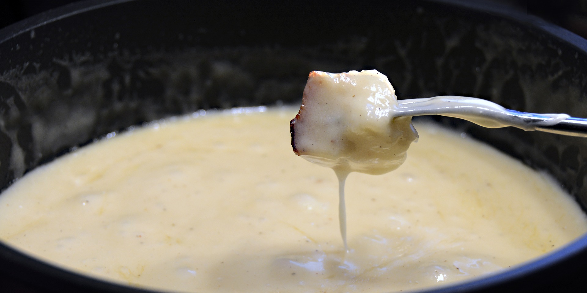Cheese Fondue in a Pot